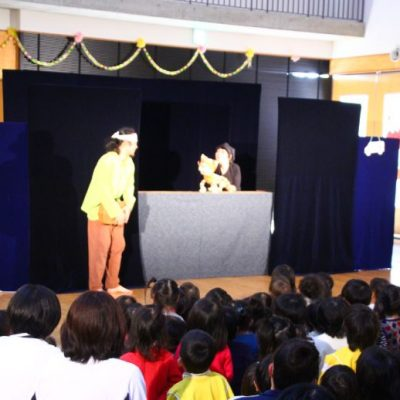 人形劇や「おたこぐみ」公演